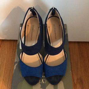 Bcbg generation faux suede heels